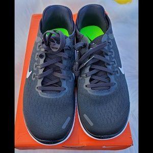 Womens Nike Free RN 2018